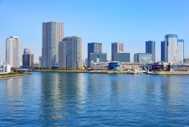 江東区の湾岸の景色