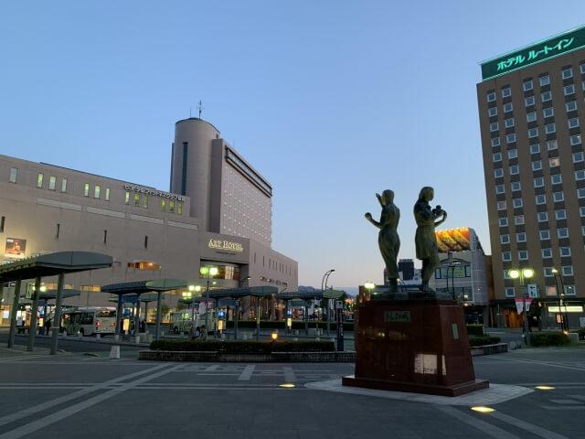 弘前市にある駅前